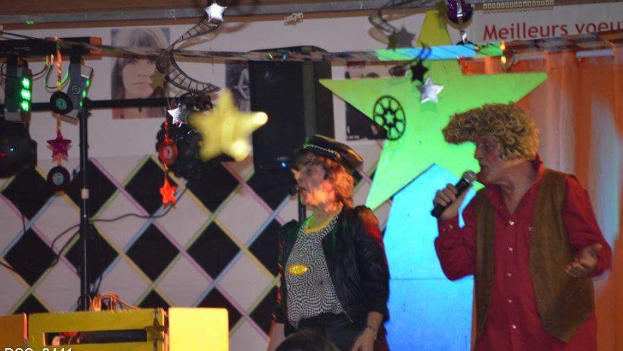Dans un décor Vintage, Kid et Lily nous emporte aux rythmes de leurs chansons au TEMPS DES COPAINS. Salut 2013, bienvenu 2014 !!!