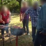 Barbecue au jardin... pour une soirée d'été qui promet être bien sympathique