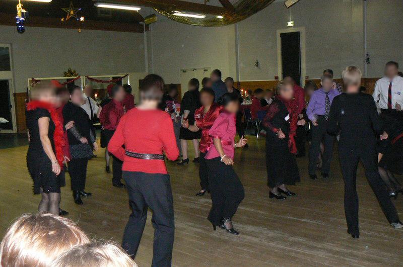 Et çà danse danse danse en Rouge et Noir !
